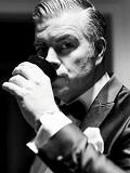 Een foto van de lookalike en imitator van George Clooney