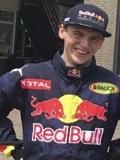 Een foto de lookalike van Max Verstappen