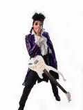 Een foto van de lookalike en imitator van Prince