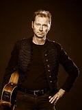 Een foto van de lookalike en imitator van Sting