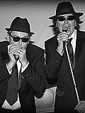 Een foto de lookalike van The Blues Brothers